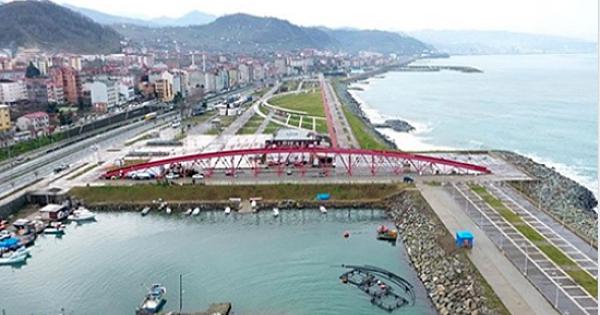 Belediye Altından Su Akmayan Köprü İçin Çözüm Arıyor: Yaratıcı Yorumlarınızı Bekliyoruz
