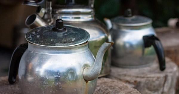 Yalnızca 1 Dakikada Çaydanlığınızı Parlatabilirsiniz!