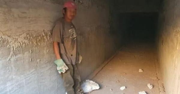 2020/11/meksikali-uyusturucu-baronun-sevkiyat-tuneli-kesfedildi-fa9425ab68c0-2.jpg