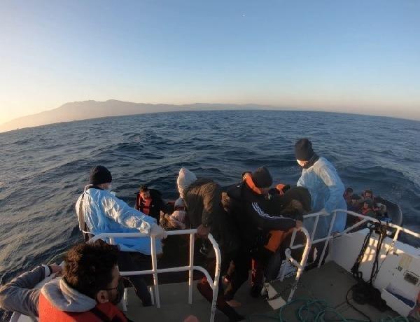 2021/03/yunanistanin-olume-terk-ettigi-gocmenleri-turk-sahil-guvenlik-ekipleri-kurtardi-52f592b4d4a0-2.jpg