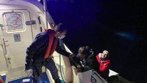 Yunan askerlerinin geri ittiği göçmenleri, Sahil Güvenlik ekibi kurtardı