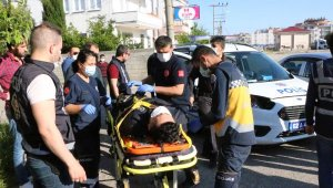 Adıyaman'da polis aracı ile otomobil çarpıştı: 2 polis yaralı