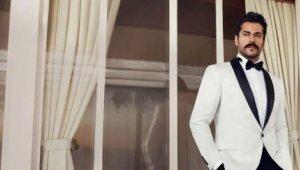 Burak Özçivit giyim markasının yeni sezonunu da tanıttı