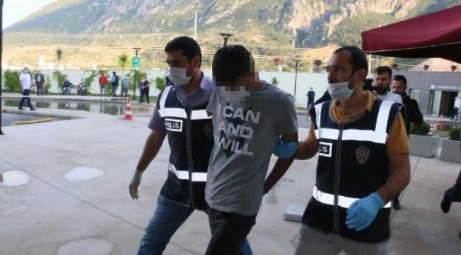 Sevgilisi Gülnur'u işe giderken pompalı tüfekle öldürüp, polise teslim oldu