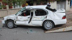 Sivas'ta, beton mikseri ile otomobil çarpıştı: 2 yaralı