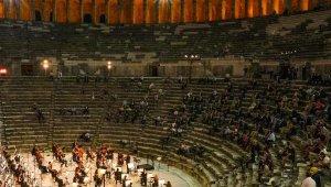 Aspendos Antik Tiyatro'da büyükelçilere konser