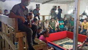 Çatıda tribün kurarak horoz dövüştürenlere 206 bin TL ceza