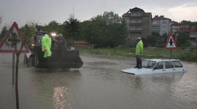 Dolu yağışı Domaniç'te yaşamı felç etti