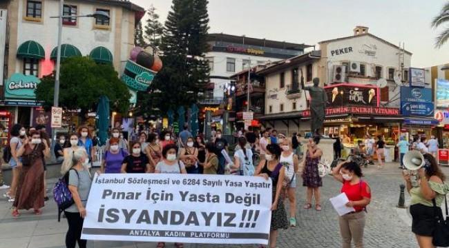 Kadınlar, 'Rabia Naz' ve 'Pınar' için bir araya geldi