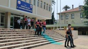 Mersin'de PKKKCKYPG'ye operasyon: 3 tutuklama