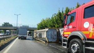 Kimyasal madde yüklü tanker devrildi, sürücü yaralandı