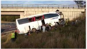 Sarıyer'de Kuzey Marmara Otoyolu'nda otobüs yoldan çıktı