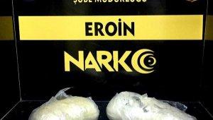 Bitlis'te şüphe üzerine durdurulan iki araçta 1 kilo eroin ele geçirildi; 1 tutuklama
