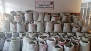 Diyarbakır'da 1.2 ton esrar ele geçirildi; 3 gözaltı
