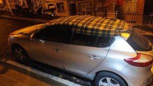 Beşiktaş'ta araç sahiplerinin dolu önlemi