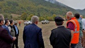 Karabük'te, yıldırım isabet eden ormanda yangın