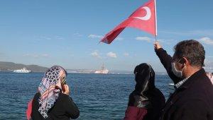 Sondaj gemisi 'Kanuni', Çanakkale Boğazı'nı geçiyor