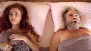 """""""9 Kere Leyla"""" filminden ilk fragman geldi! Elçin Sangu ve Haluk Bilginer'in yatak sahnesi dikkat çekti"""