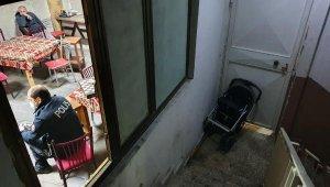Adana'da eğlence mekanı ile kapısı bebek arabasıyla kamufle edilen kahveye polis baskını