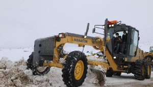 Sivas'ta 461 yerleşim yeri yolu kapandı, ekipler 24 saat mesai yapıyor