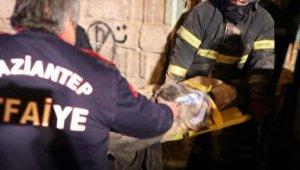 Suriyeli ailenin kaldığı metruk binada göçük: Anne öldü, 3 çocuk yaralı