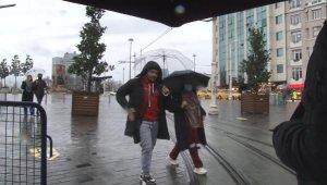 Taksim'deki maskesiz turistlere ceza