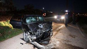 Gaziantep'te iki otomobil çarpıştı: 1 ölü, 7 yaralı