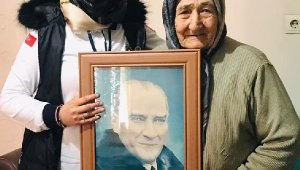 Melekler, Latife ninenin Atatürk portresi isteğini yerine getirdi