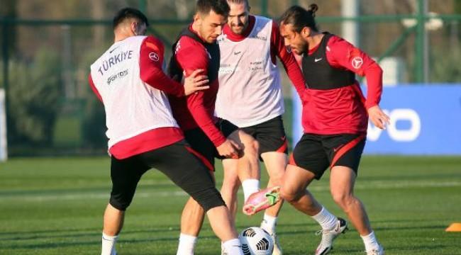 Türkiye A Milli Futbol Takımı Letonya maçı hazırlıklarına başladı