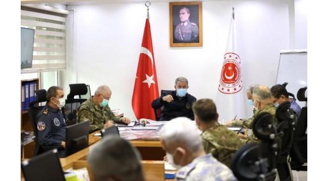 Bakan Akar: Pençe- Şimşek ve Pençe- Yıldırım Operasyonlarında 31 terörist etkisiz hale getirildi lar