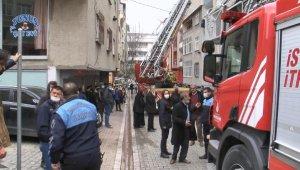 Esenyurt'ta yangın paniği; mahsur kalan 7 kişi kurtarıldı