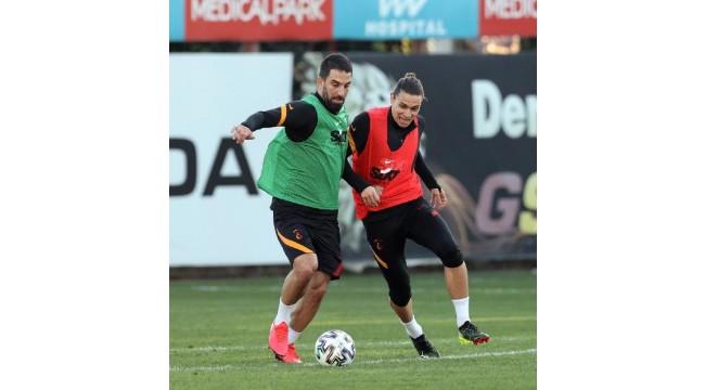 Galatasaray'da Falcao özel maskeyle çalıştı