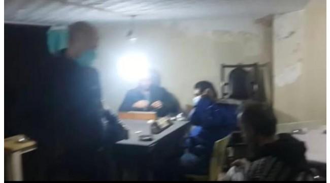 Kıraathaneye çevrilen iş yerinde kumar oynayanlara 49 bin TL ceza