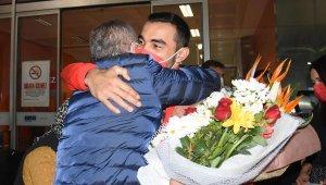 Milli cimnastikçi Ferhat Arıcan yurda döndü
