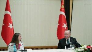 Cumhurbaşkanı Erdoğan, madalya alan cimnastikçileri kabul etti