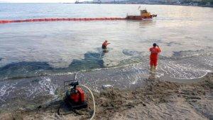 Tekirdağ sahillerinde 'müsilaj' temizliği sürüyor