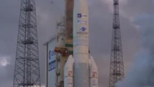 İngiltere, hareket halindeki araçlara bilgi sağlayacak yeni nesil uyduyu uzaya fırlattı
