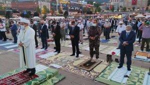 Karabük'te, 15 Temmuz'da meydan doldu