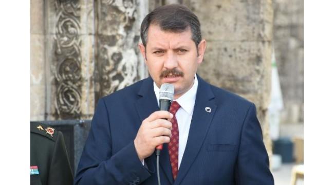 Sivas Valisi Ayhan: 15 Temmuz'da milletimizin ferasetiyle tarih yazıldı