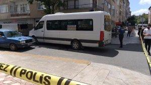 Yolun karşısına geçmek isterken minibüsün çarptığı Türkan öldü