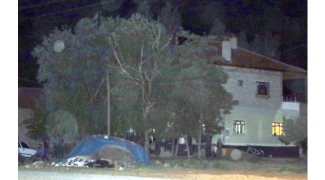 Kayseri'de komşular arasındademir çubuklu 'saman tozu'kavgası: 1 ölü, 3 yaralı