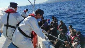İzmir'in 3 ilçesinde 3 günde 184 kaçak göçmen kurtarıldı