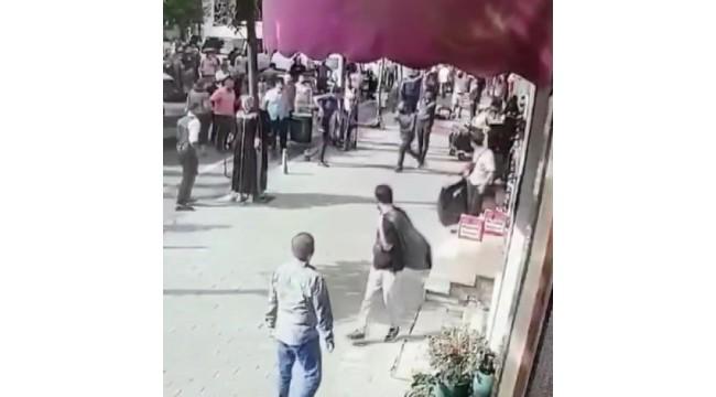 Laleli'de esnaf ile alkollü olduğu öne sürülen kişiler arasında kavga