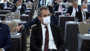Milli Eğitim Bakanı Özer İSO Meclis toplantısına katıldı