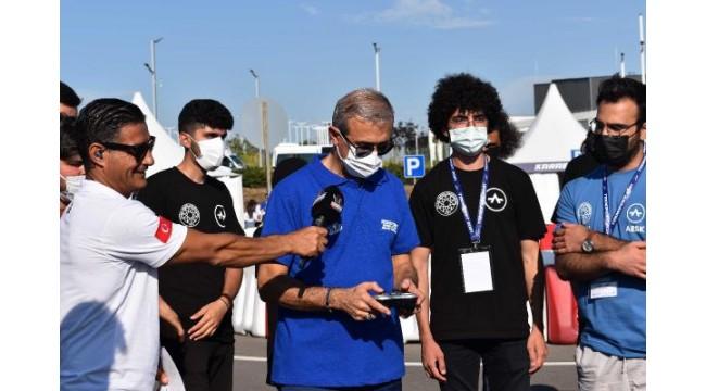 Savunma Sanayii Başkanı Demir'den otonom araç yapan gençlere destek