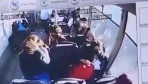 Halk otobüsüyle otomobilin çarpıştığı kazada yaralanan 11 kişiden 1'i kurtarılamadı